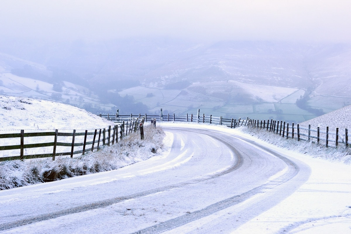 High Peak in the snow, Peak District