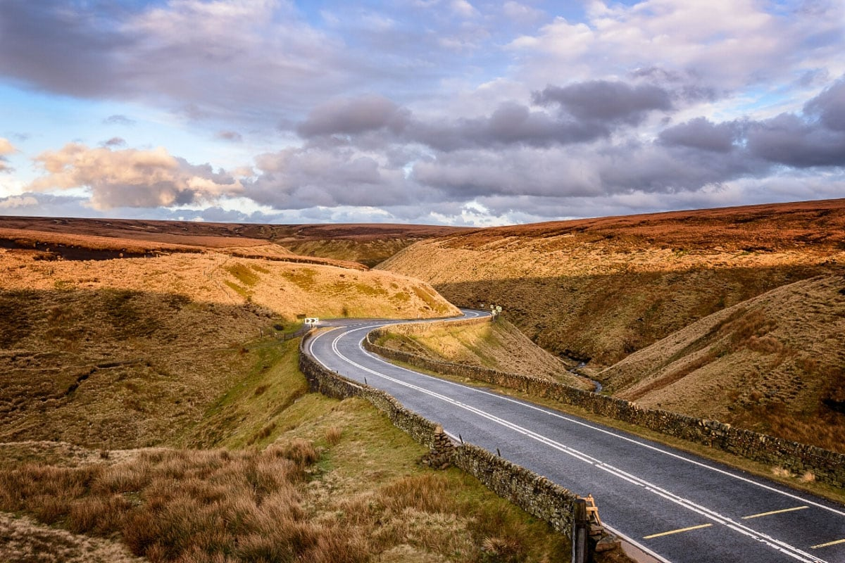 Beautiful road trip views in the Peak District, England