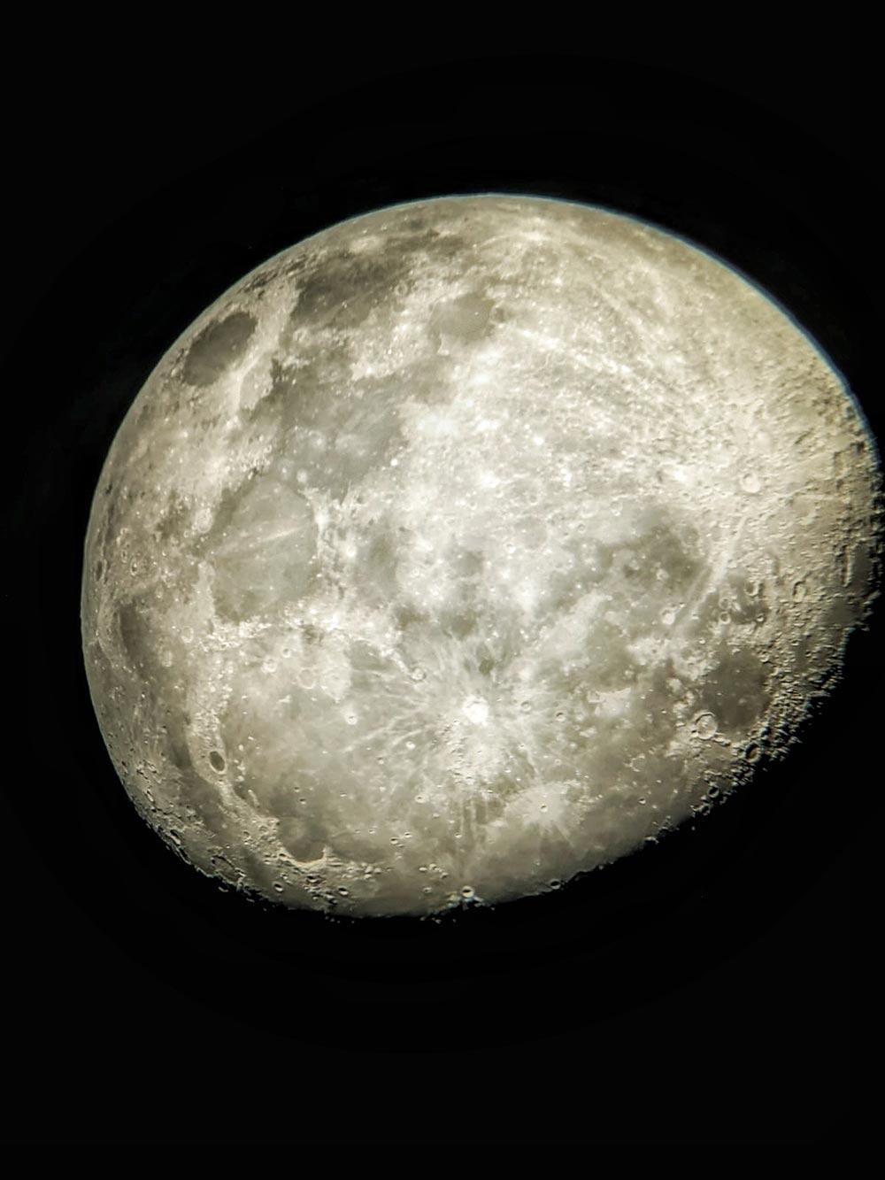 moon photo in england