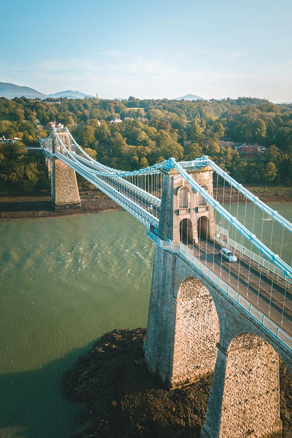 10 amazing facts about wales