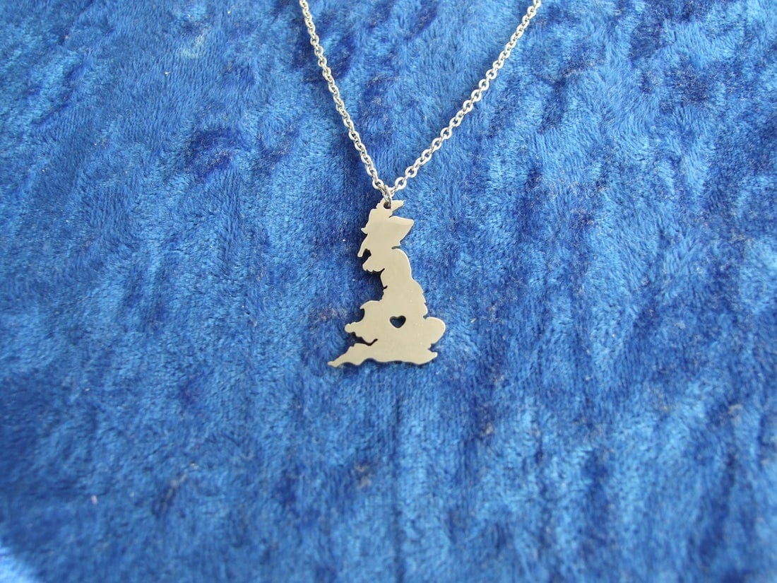 Great Britains silver necklace