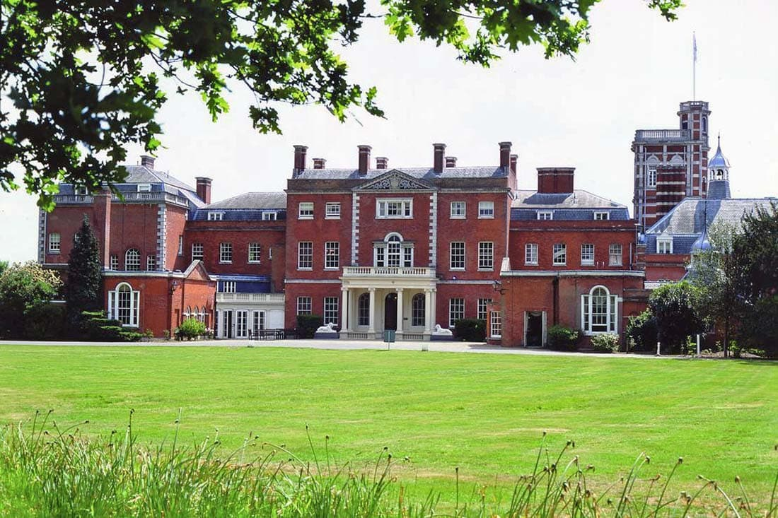 where to stay near epping forest
