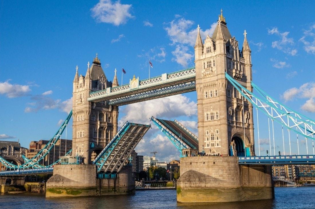 Raising the Bascules on Tower Bridge