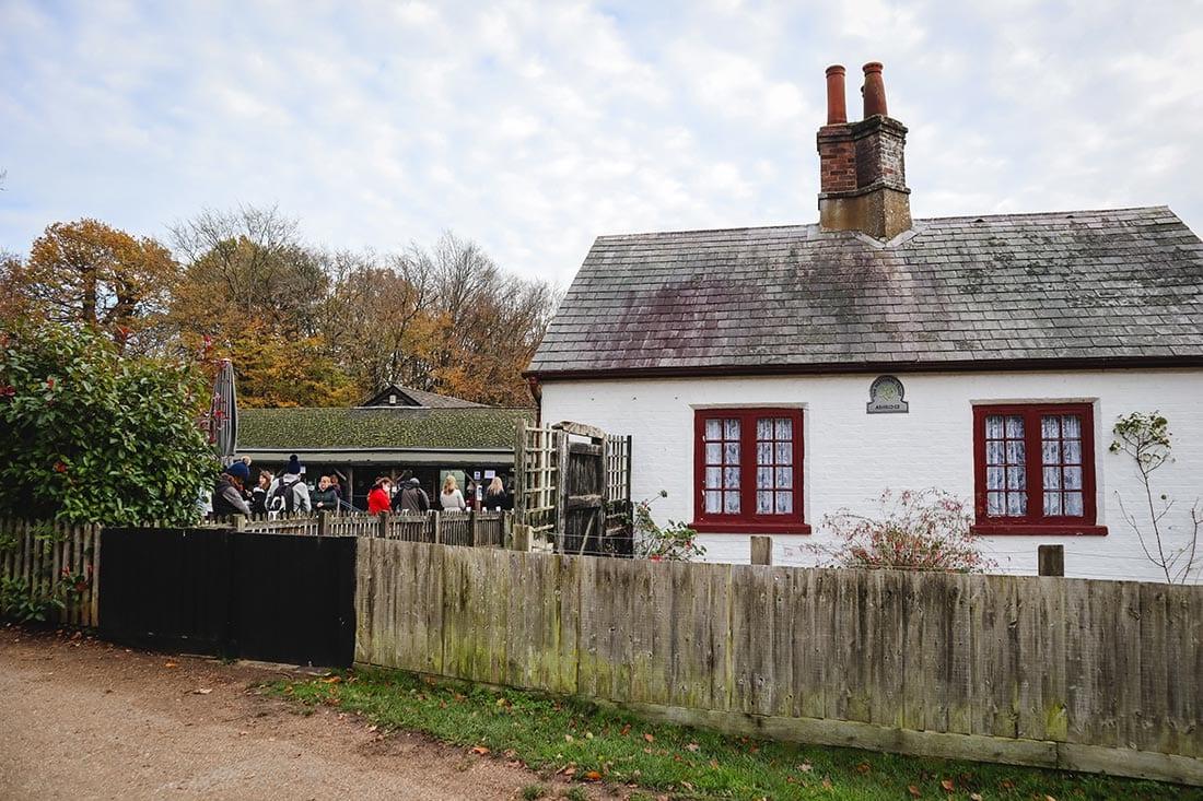 brownlow cafe