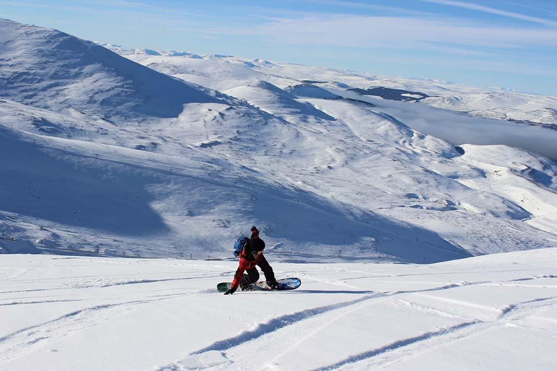 skiing in scotland