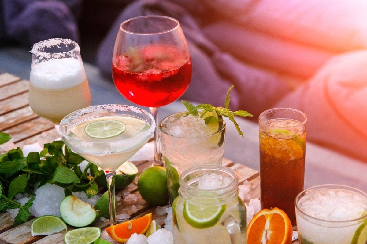 7 Classic British Cocktails + Recipes