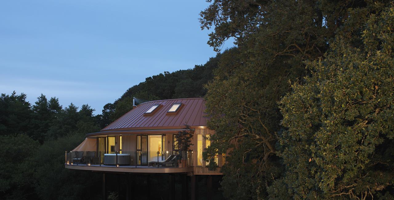 Chewton Glen treehouse