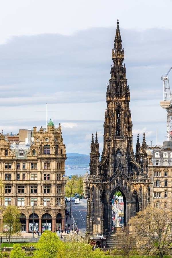 what is edinburgh famous for